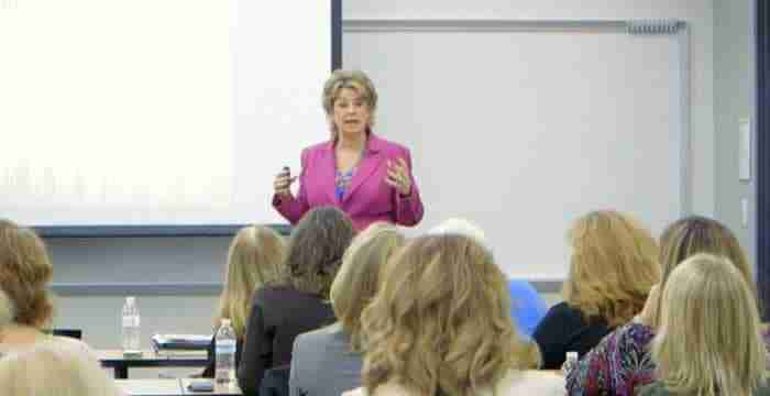 Minneapolis LinkedIn Speaker Trainer, JoAnne Funch